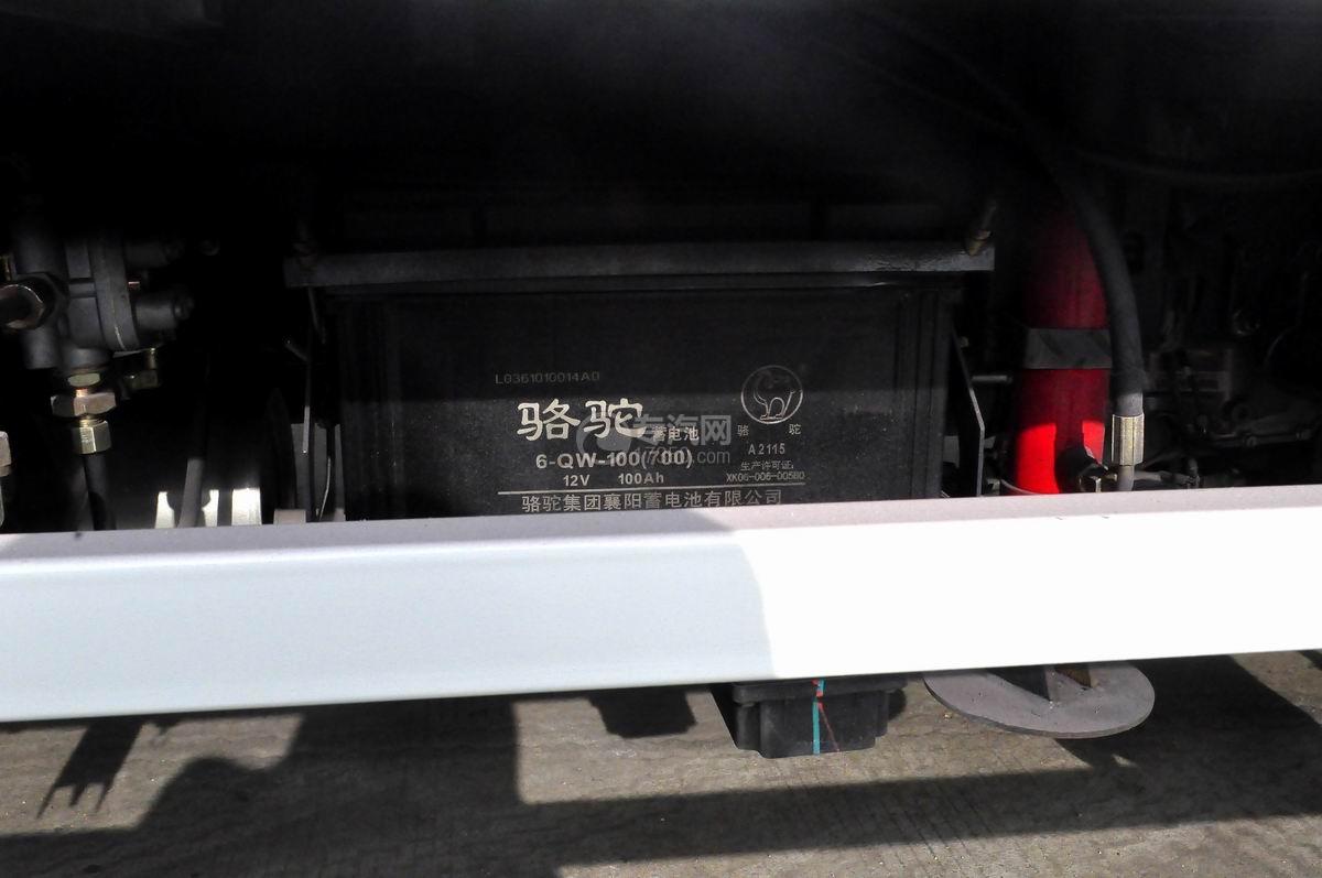 福田奥铃TX国五流动舞台车蓄电池