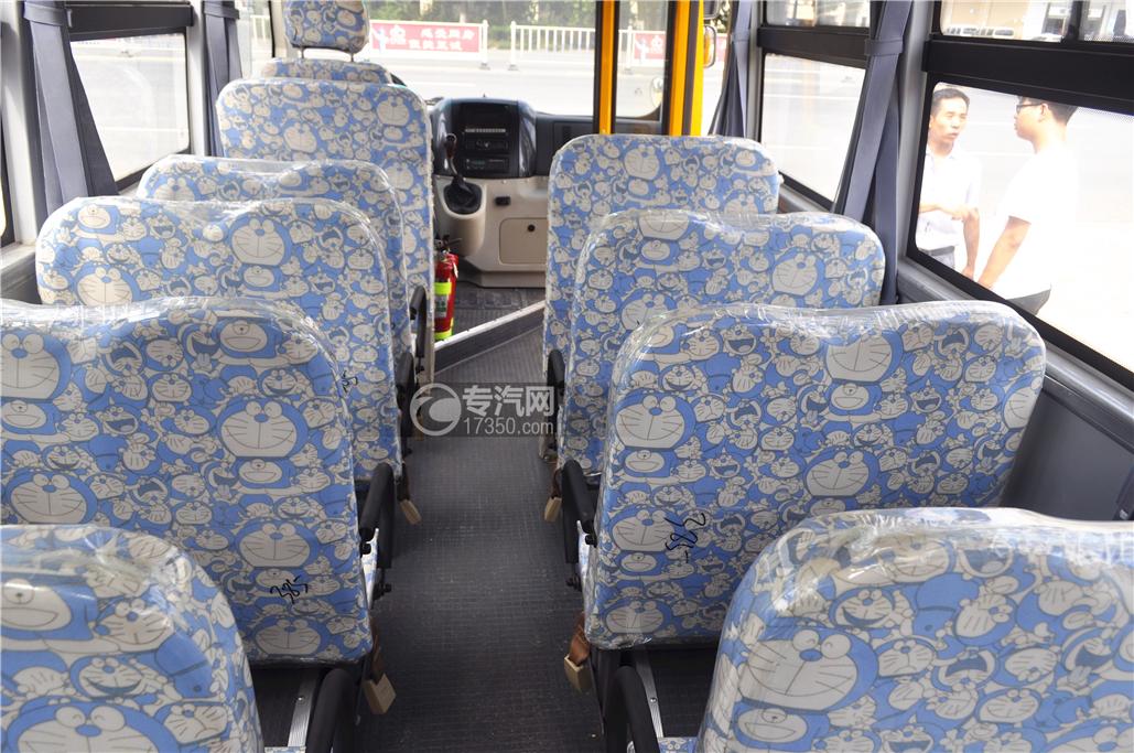 少林18座幼儿园校车内部座椅2