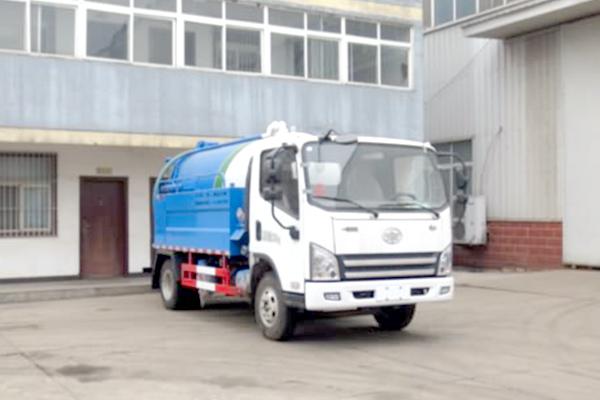 一汽解放虎VH单桥国五2.6方清洗吸污车