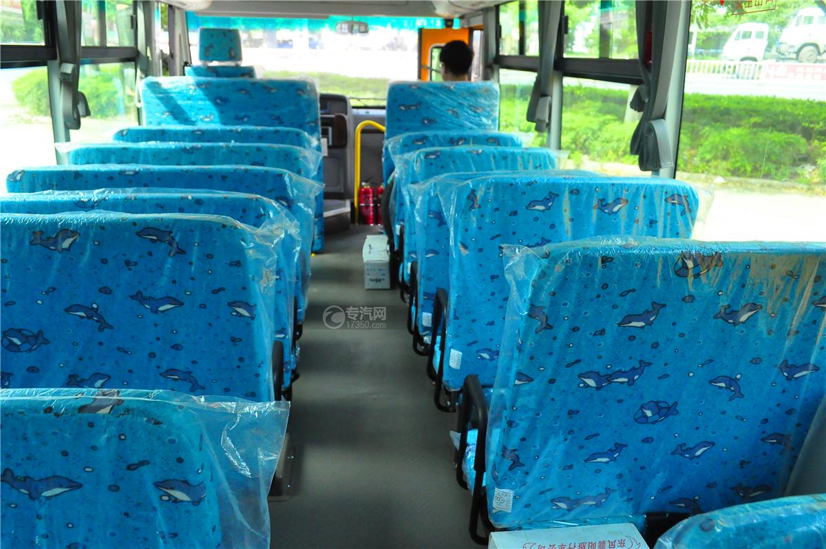 华策37座小学生幼儿园校车内部座椅