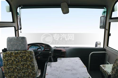 楚风9米教练客车驾驶区域