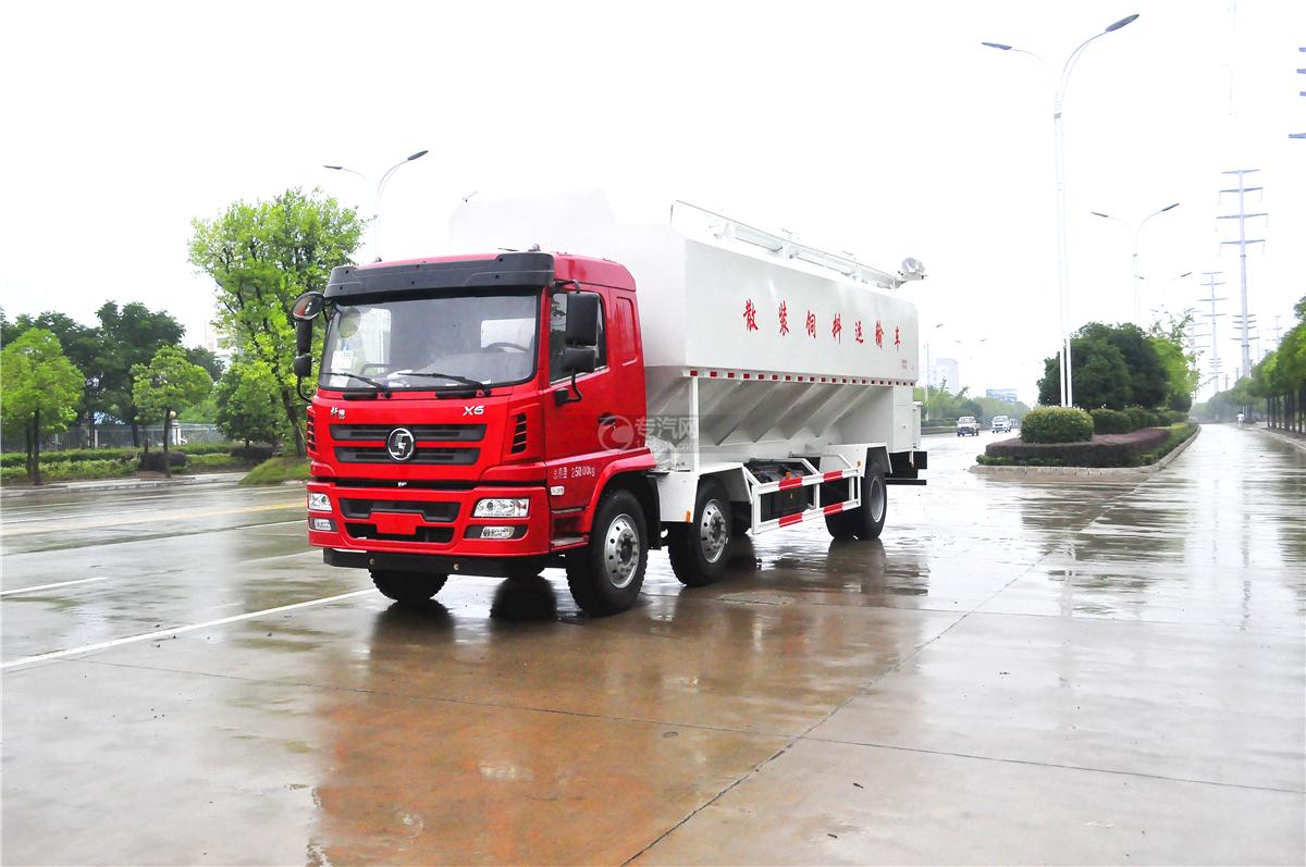 陕汽轩德X6小三轴散装饲料运输车图片