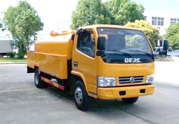 東風多利卡國五1.96方清洗吸污車
