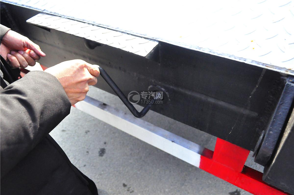 4大运奥普力平板运输车带伸缩板上装