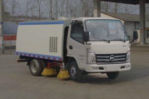 凯马小型国五4.5方扫路车