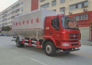 东风柳汽乘龙国五散装饲料运输车产品