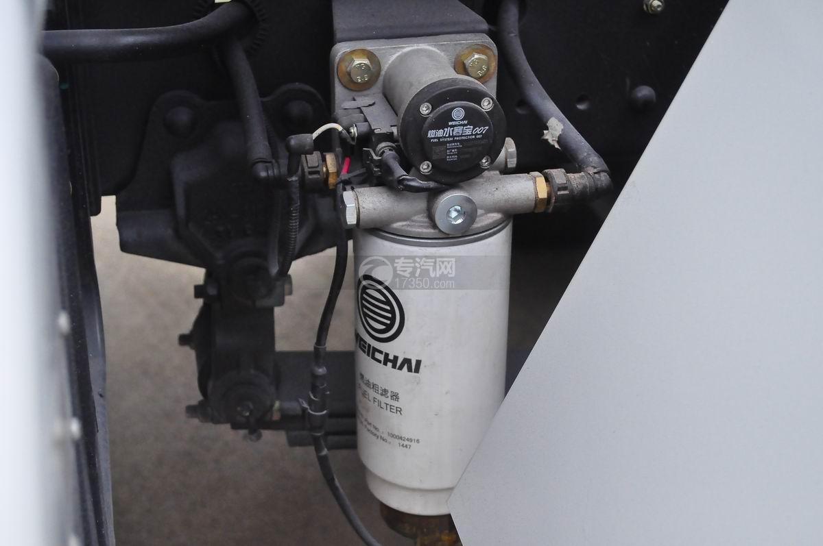 陕汽轩德X6前四后八国五7.4方搅拌车柴油滤清器