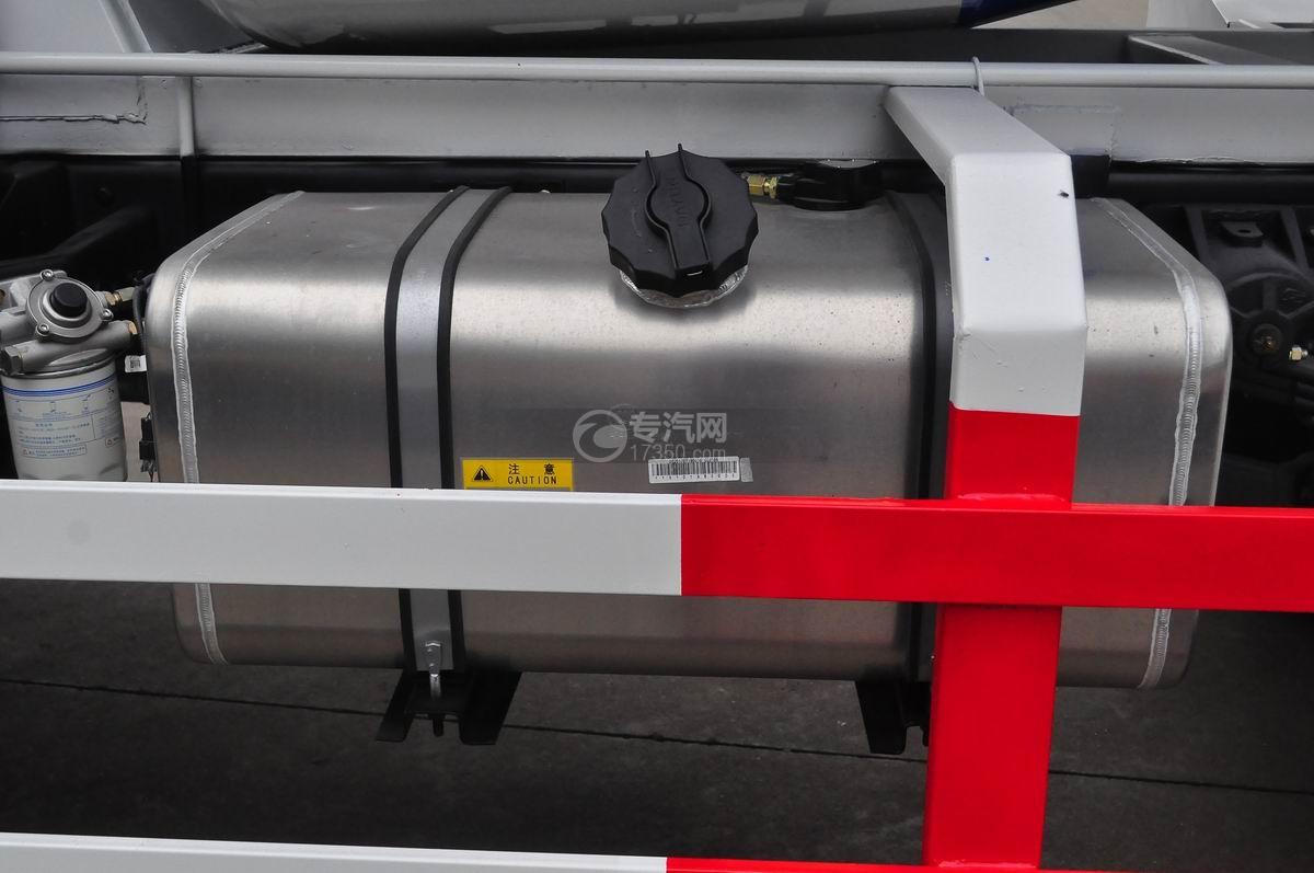 大運奧普力排半國五攪拌車油箱