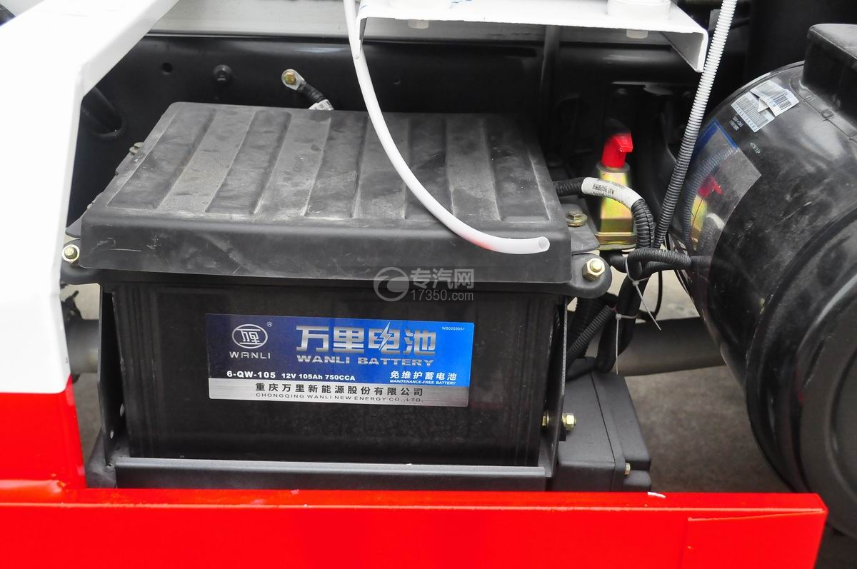 大運奧普力排半國五攪拌車蓄電池