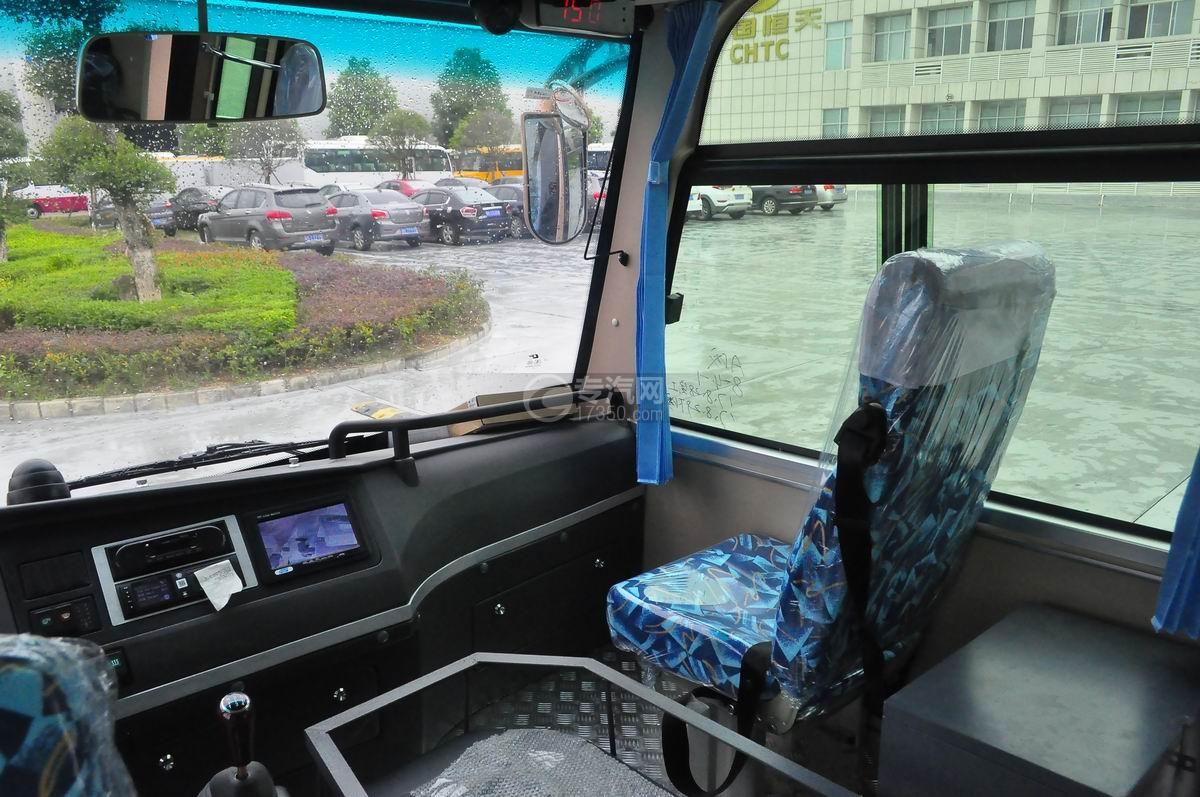 楚风19座6米客车副驾座椅