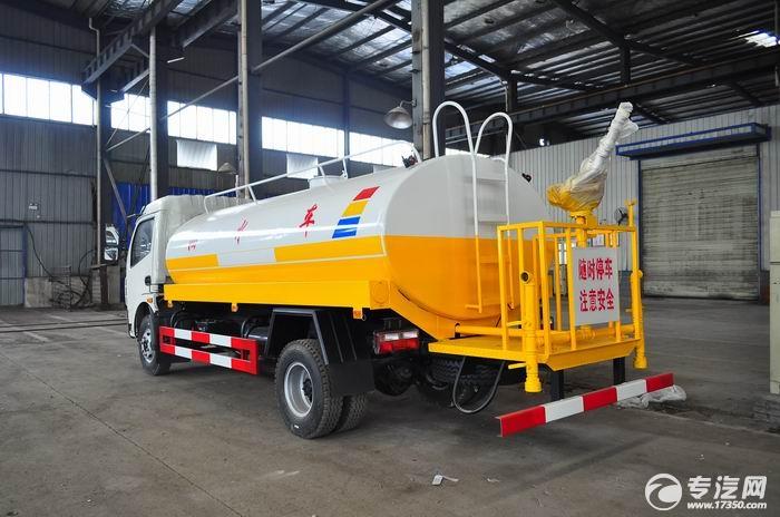 5-8吨的东风大多利卡洒水车