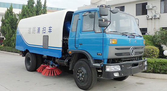 质优好用的东风扫路车 过硬的清扫机械