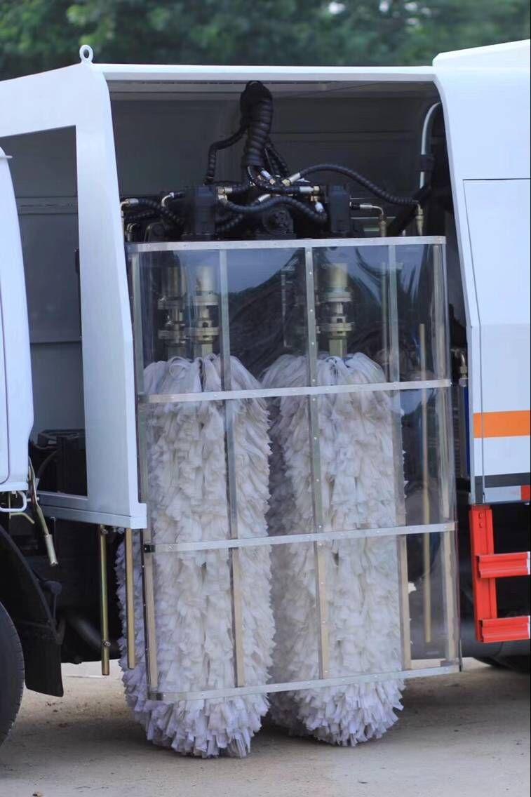 护栏清洗车有什么优势特点配置
