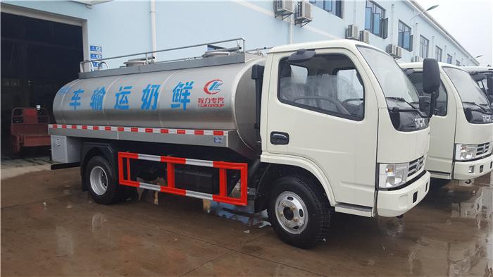 东风鲜奶运输车.jpg
