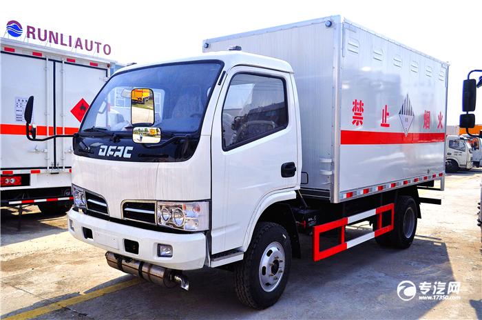 东风爆破器材运输车.JPG