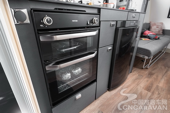 [INT]-Basecamp-Oven-(Part-of-Plus-Pack)-[SWIFT].jpg