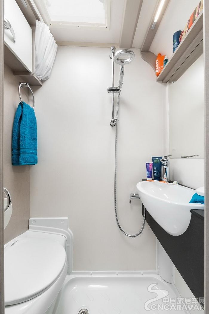 [INT]-Basecamp-Washroom-[SWIFT].jpg
