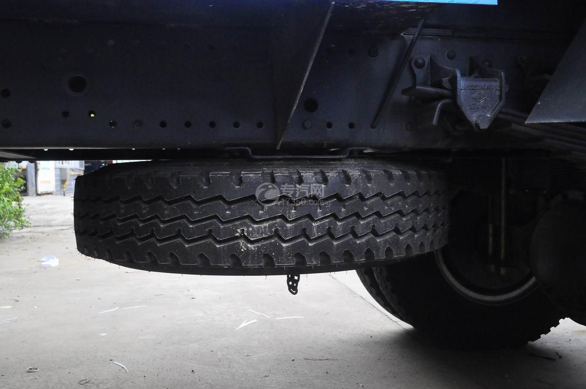 东风多利卡D9绿化喷洒车备胎