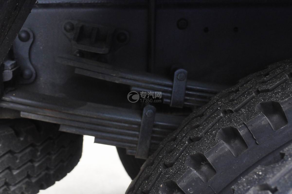 东风多利卡D9绿化喷洒车弹簧板片