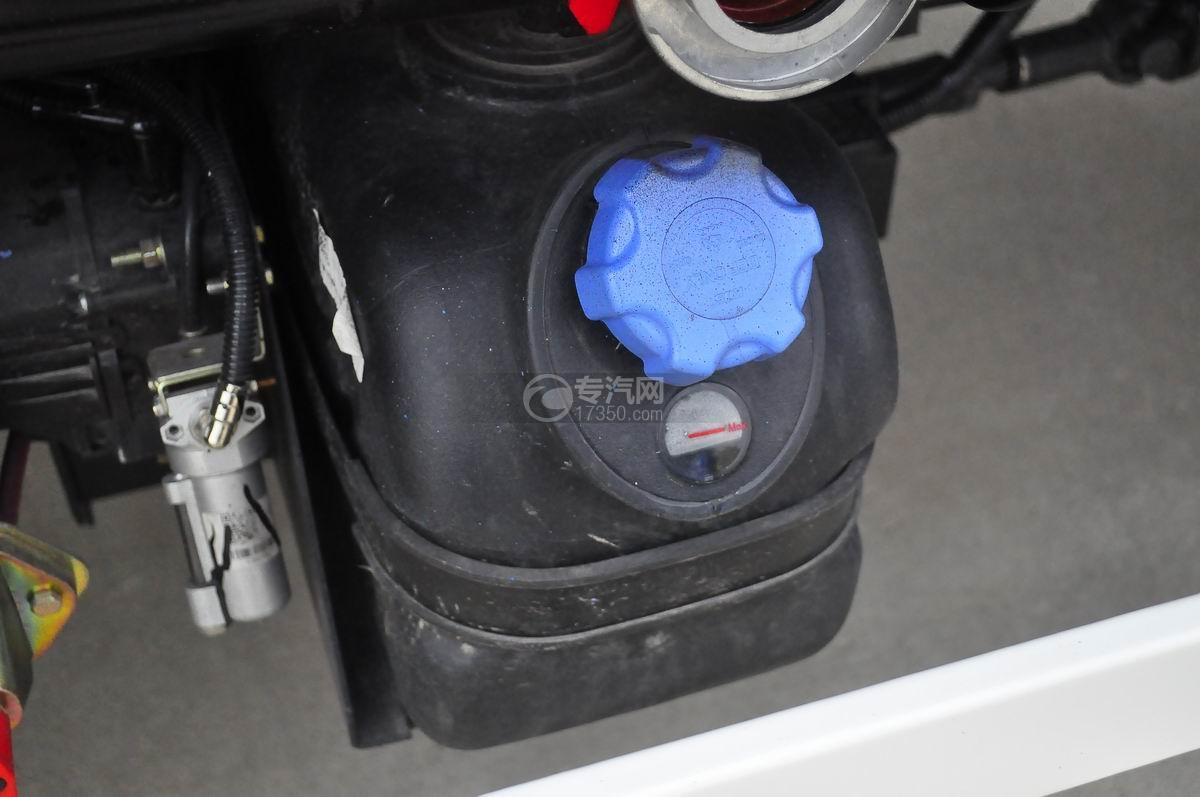 大运奥普力4.6立方洒水车尿素罐