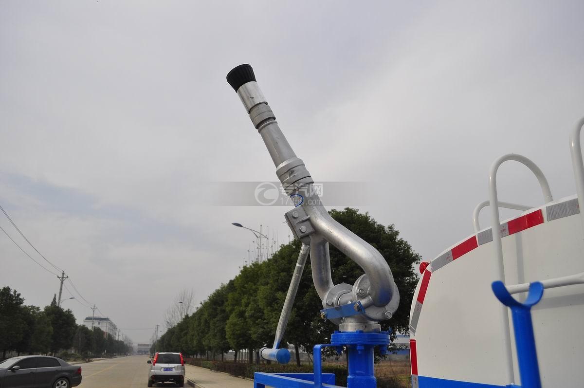 大运奥普力4.6立方洒水车高压水炮