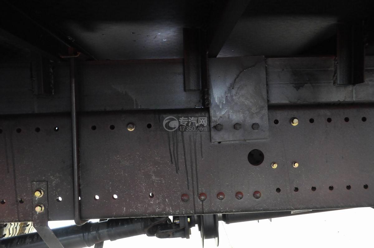 湖北大运风景单桥三一8吨随车吊大梁