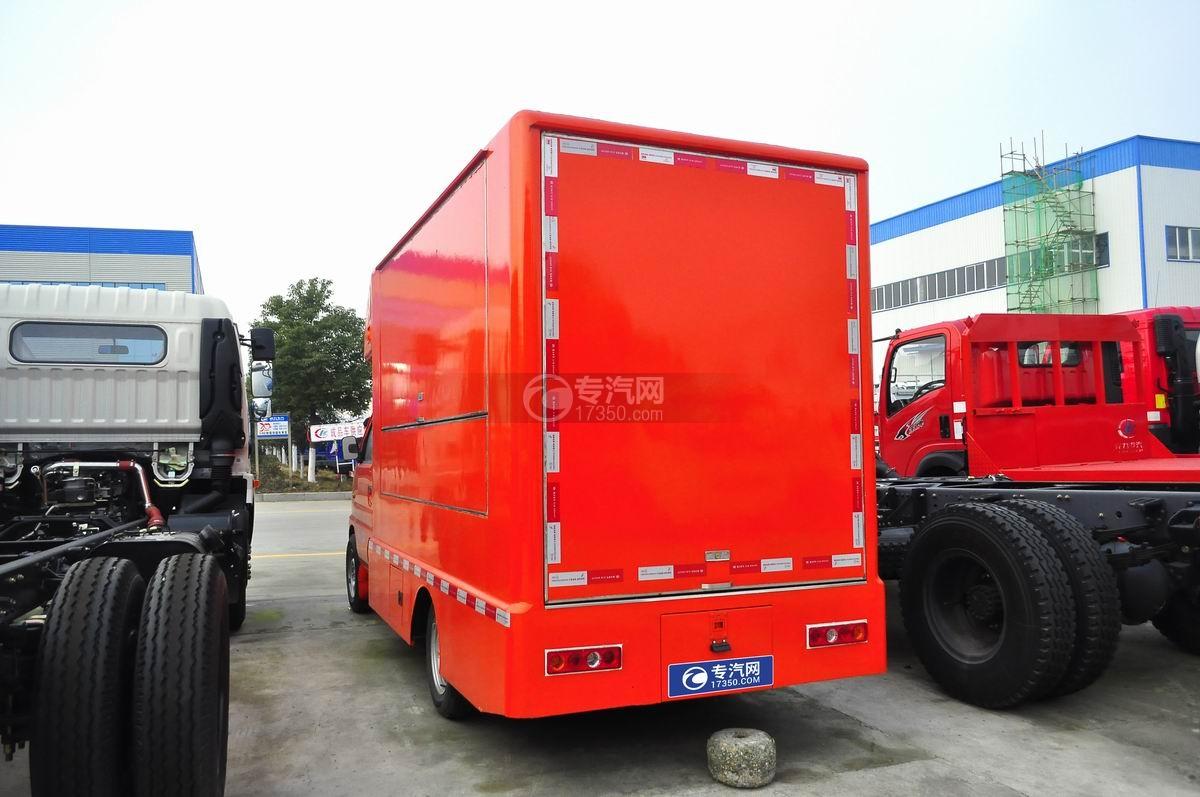 凱馬售貨車(橙色)左后45°圖