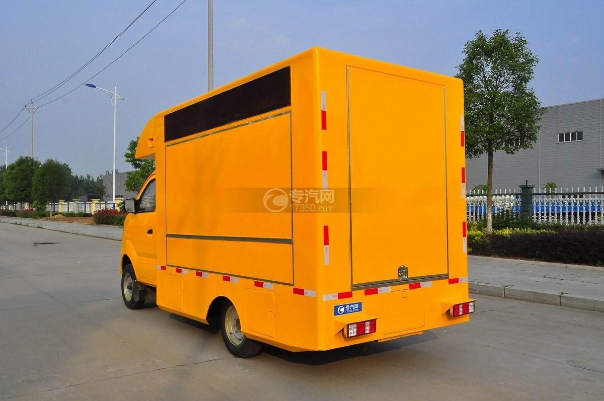 重汽王牌W1售货车(黄色)左后45°图