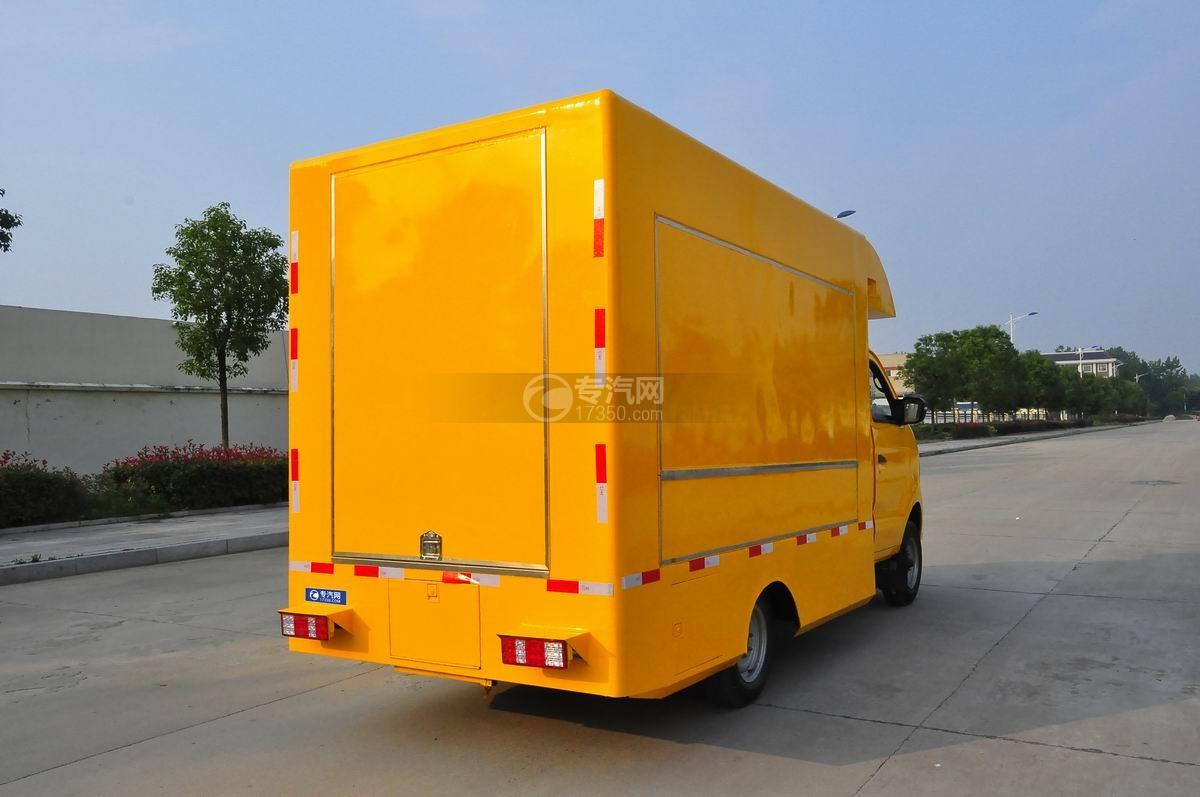 重汽王牌W1售货车(黄色)右后45°图