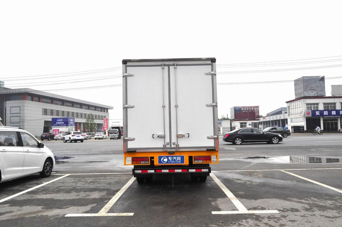 大运奥普力蓝牌单排冷藏车后面图