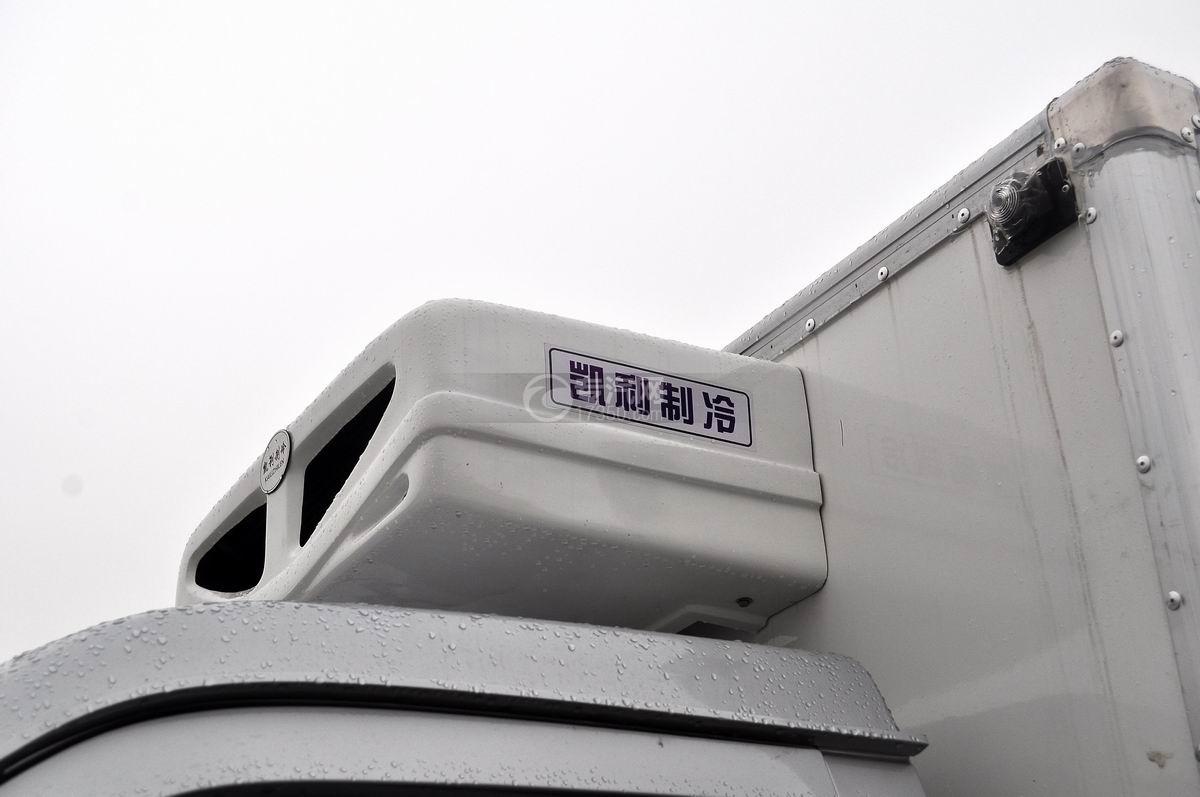成都重汽王牌W1冷藏车冷藏机组2