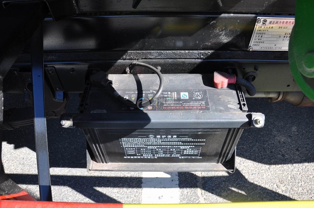 东风凯马车厢可卸式垃圾车蓄电池
