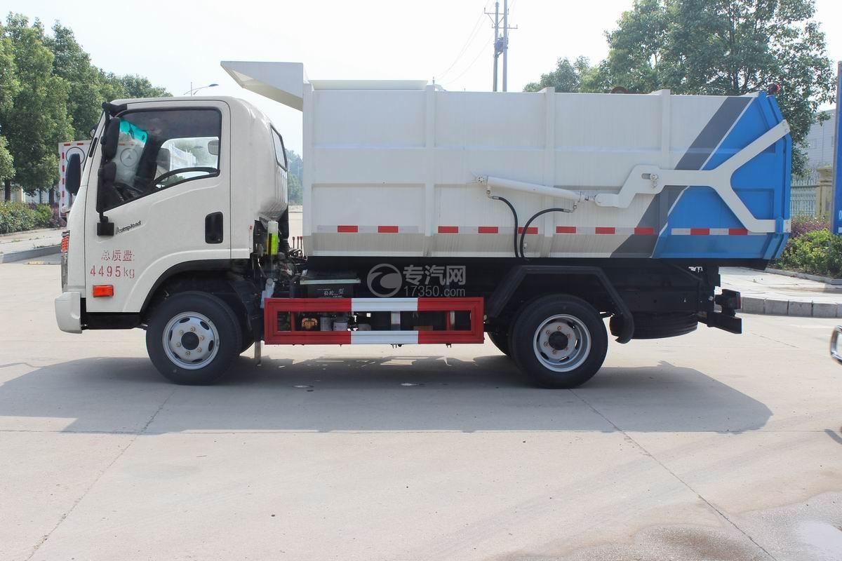 大运奥普力5-6方自装卸式垃圾车左侧图