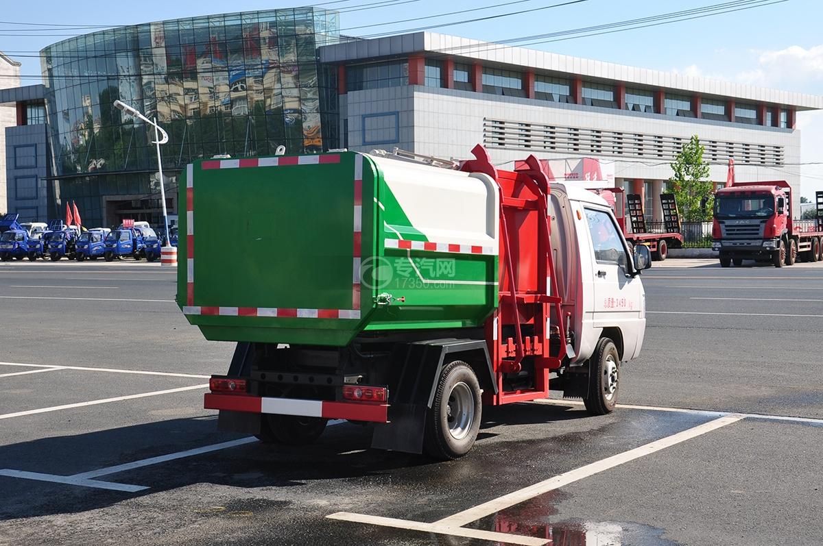 东风凯马3方自装卸式垃圾车右后图