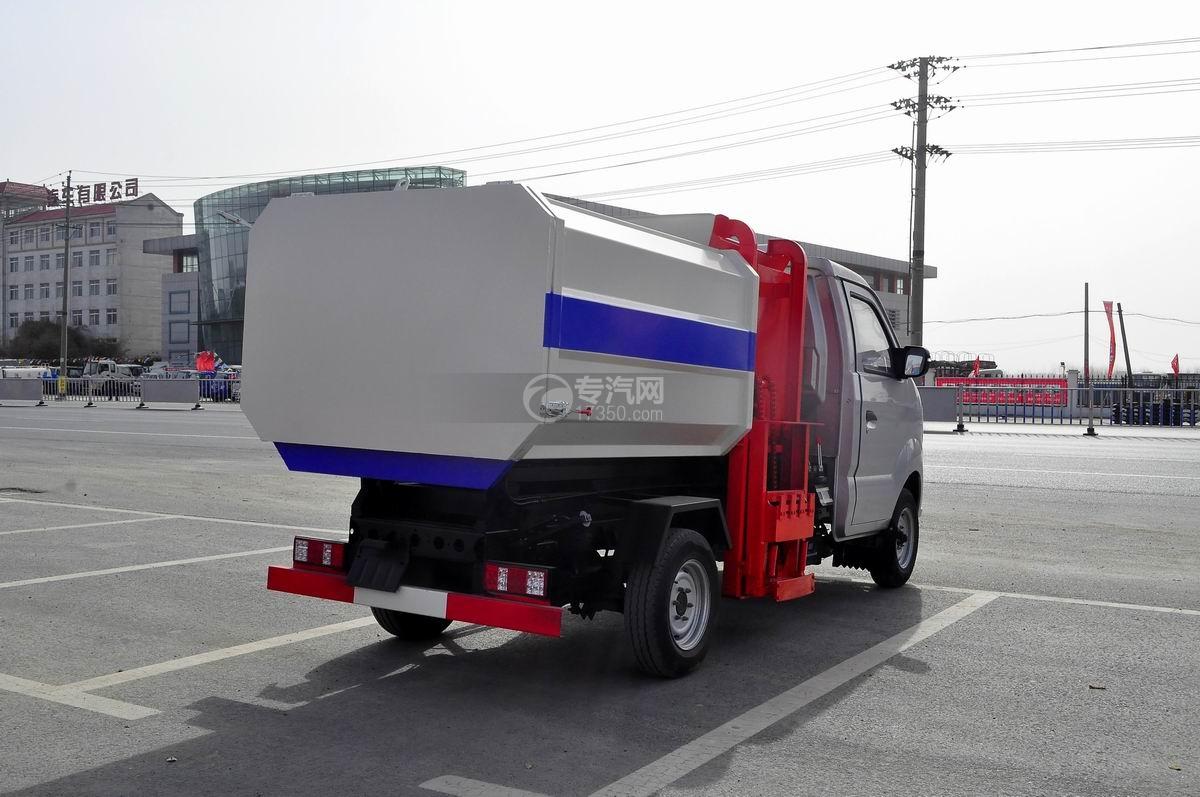 重汽王牌W1自装卸式垃圾车右后图