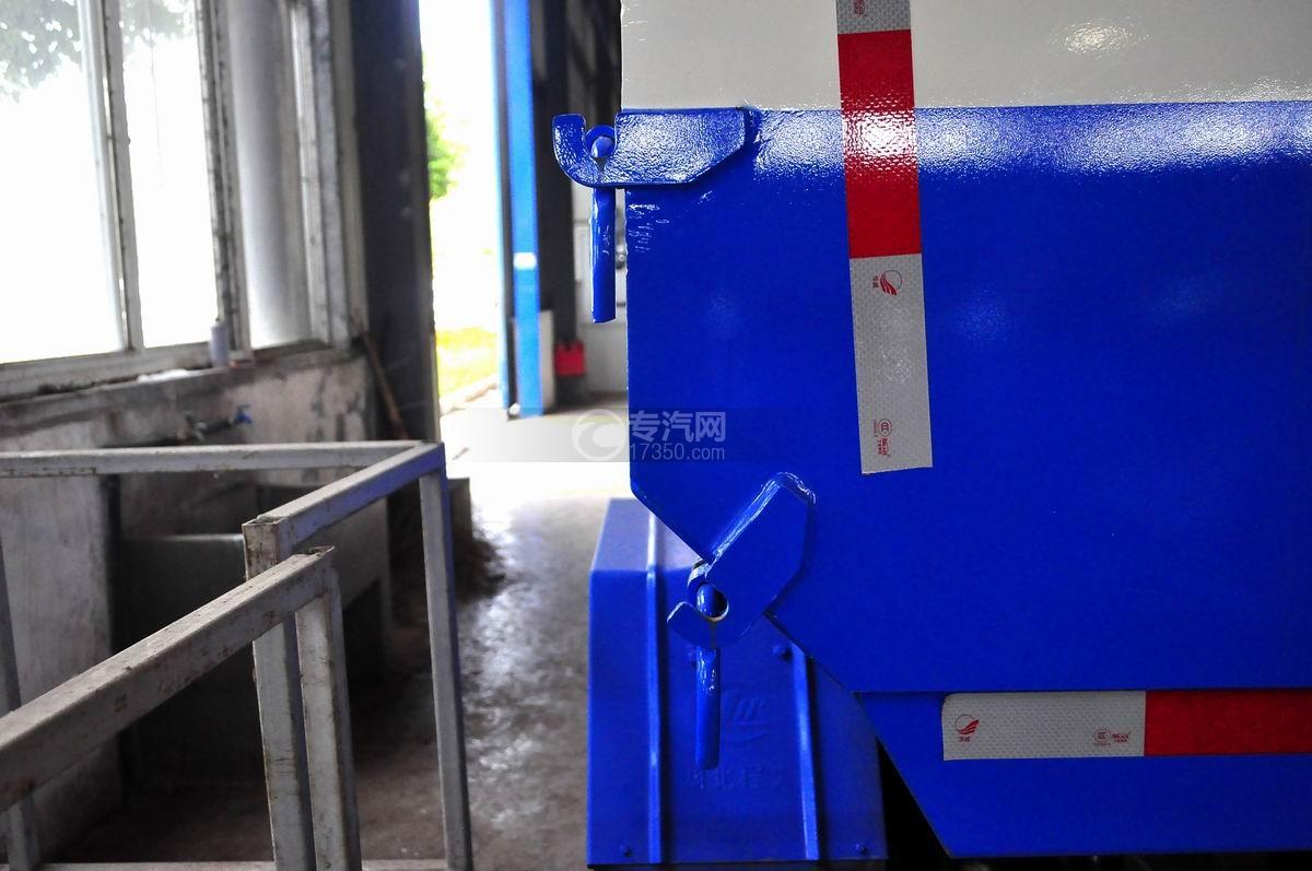 凯马凯捷5-6方自装卸式垃圾车厢体锁扣