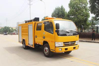 东风双排座救险车