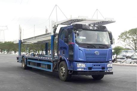 解放J6L单桥中置轴车辆运输挂车