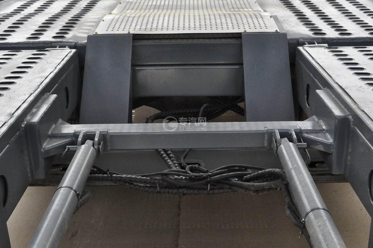 陕汽X6单桥轿运车细节1