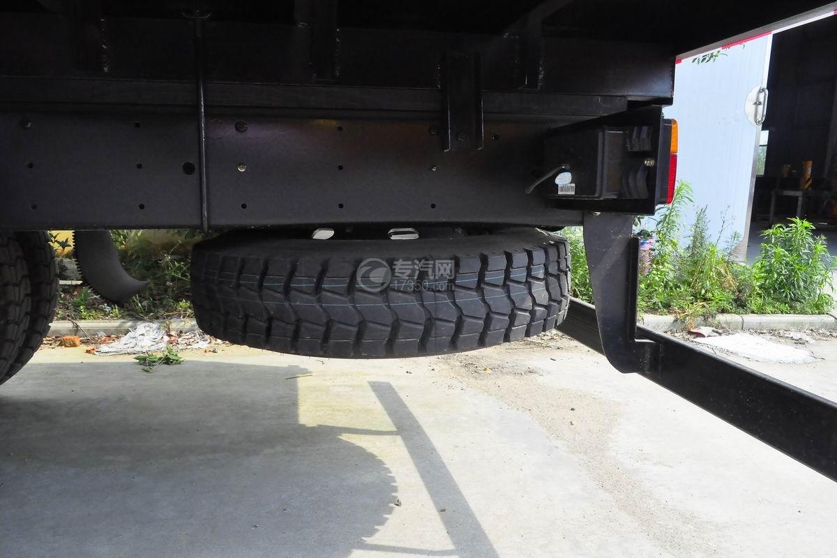 大运奥普力排半3.2吨直臂随车吊备胎