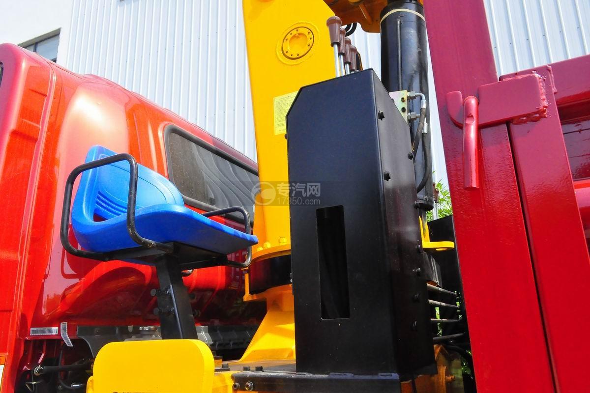 大运奥普力排半3.2吨直臂随车吊散热器