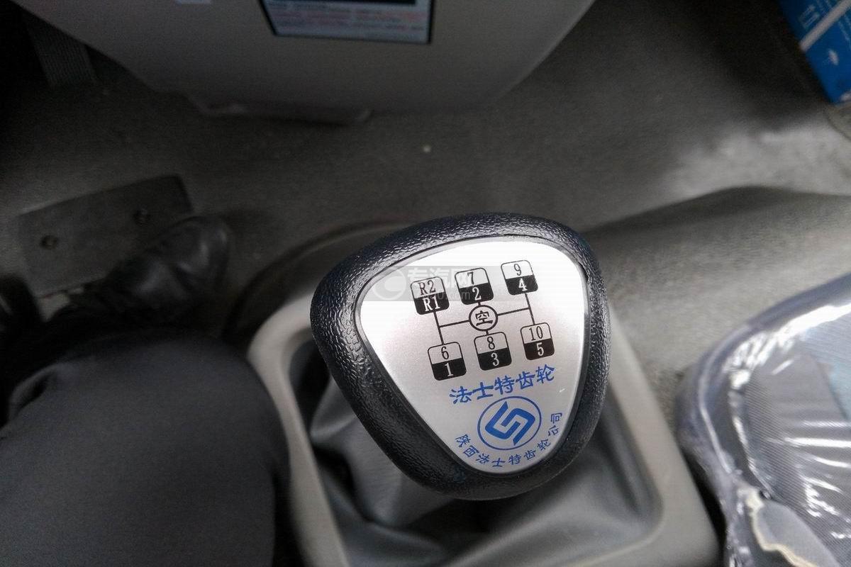 川交CJ3310D5FB前四后八自卸车变速操纵杆