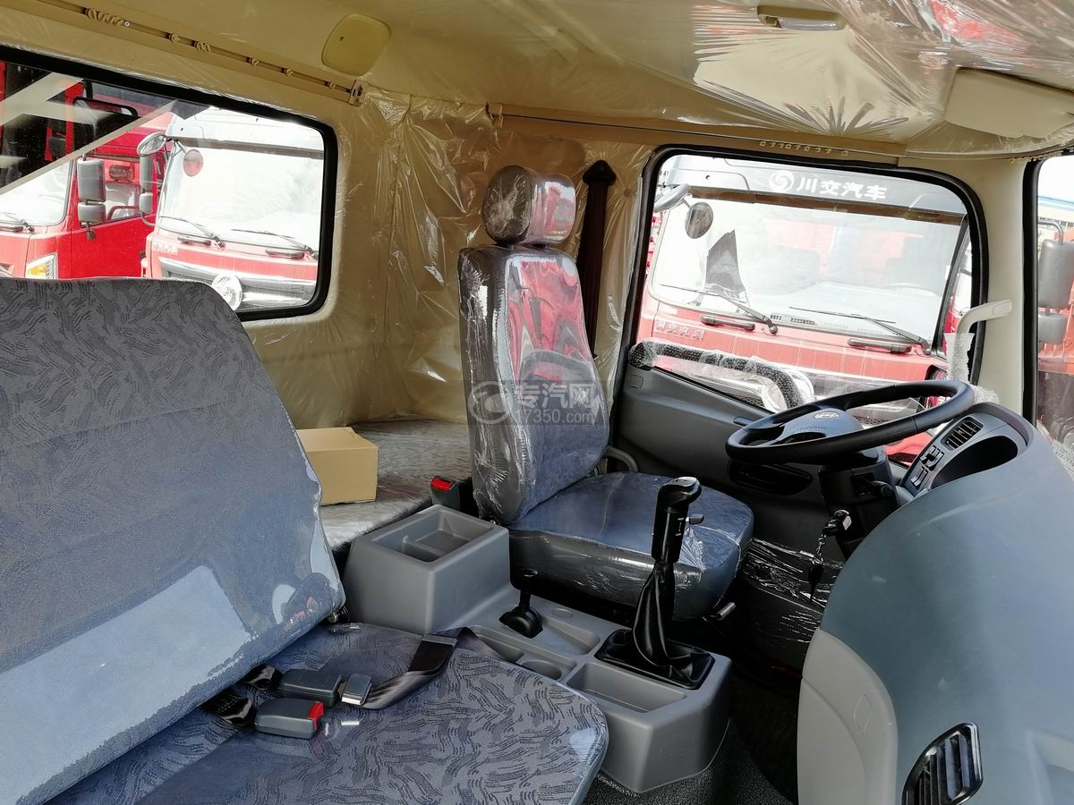 川交蓝牌单桥CJ3040D5AB自卸车驾驶室座椅
