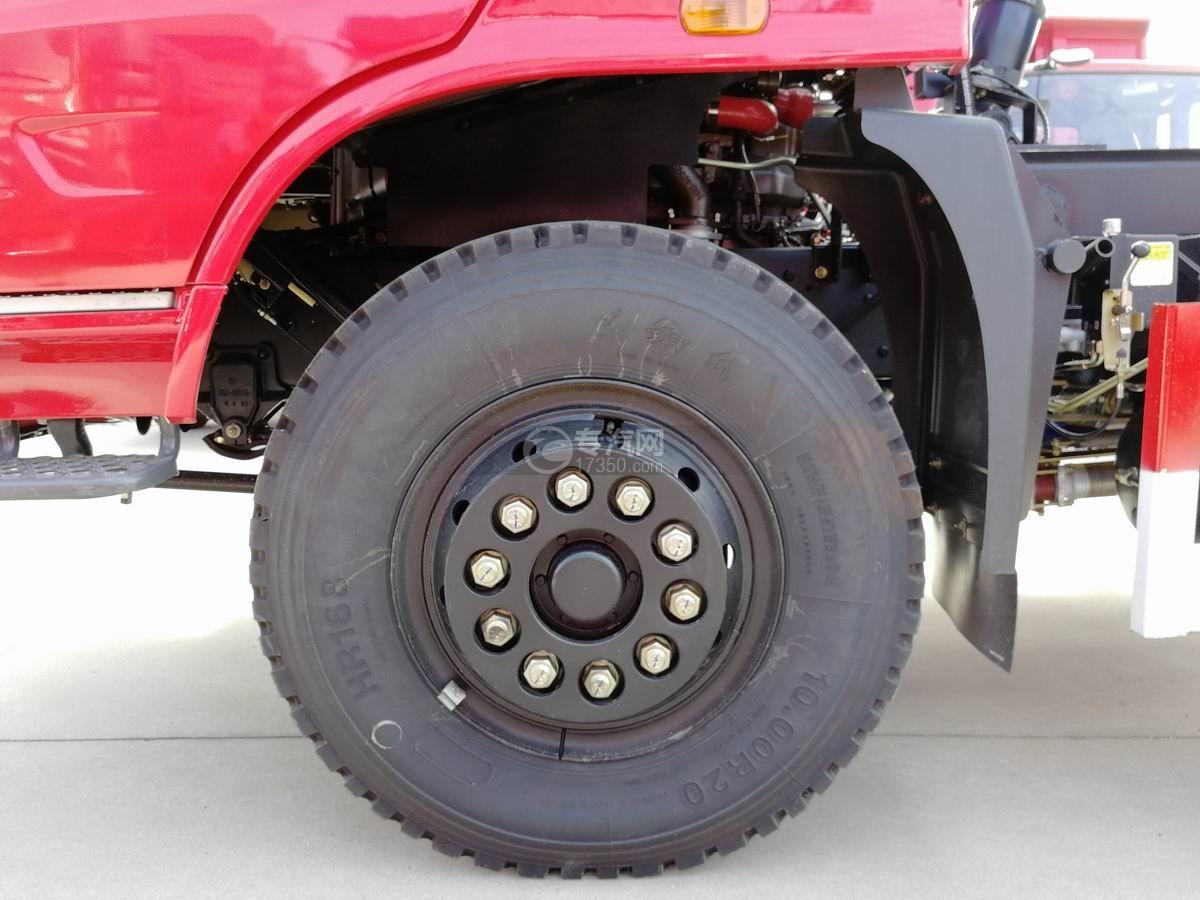 川交蓝牌单桥CJ3040D5AB自卸车底盘轮胎