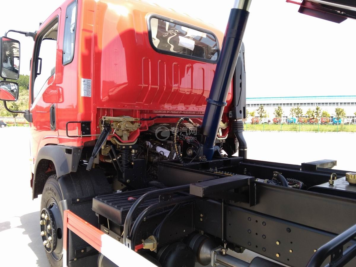 川交蓝牌单桥CJ3041D5AB自卸车底盘自卸装置