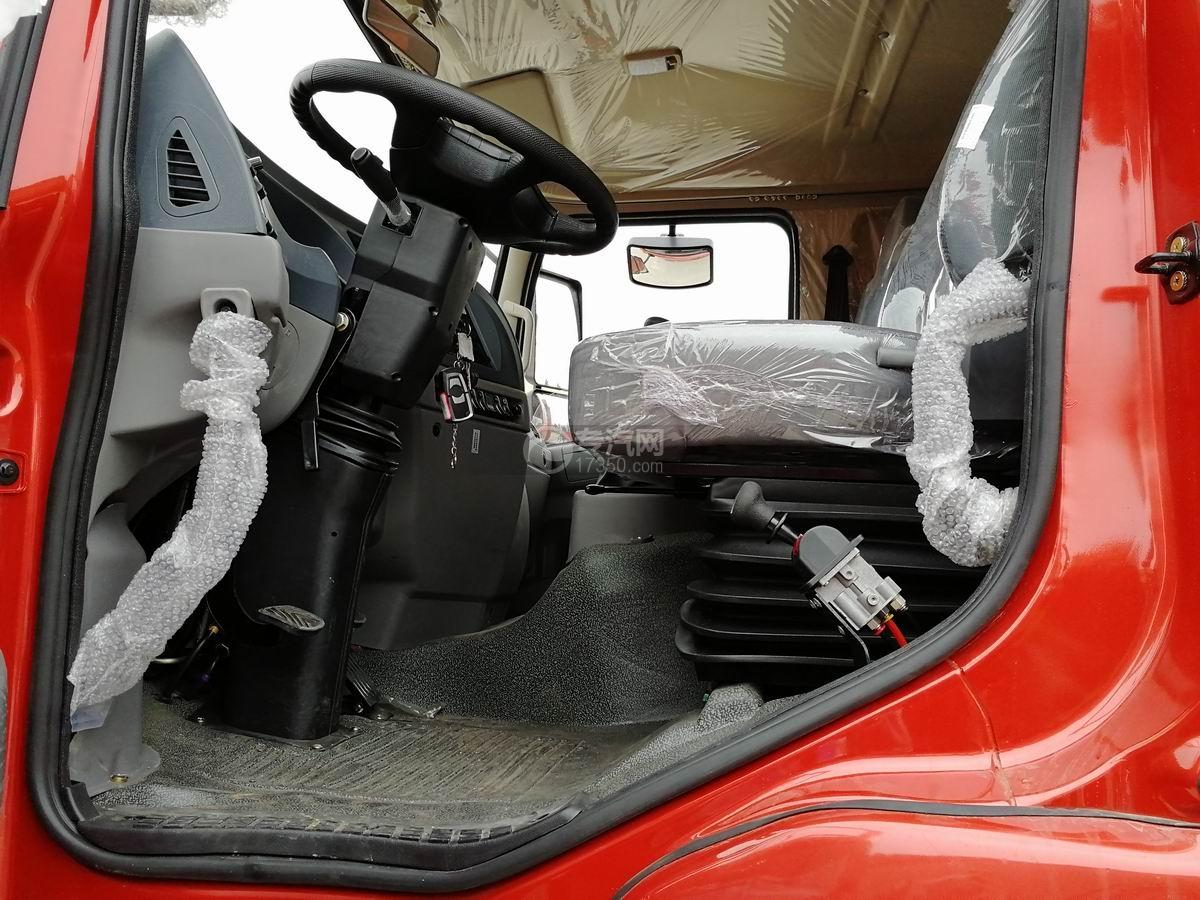 川交前四后四CJ3250D5CC自卸车手刹装置