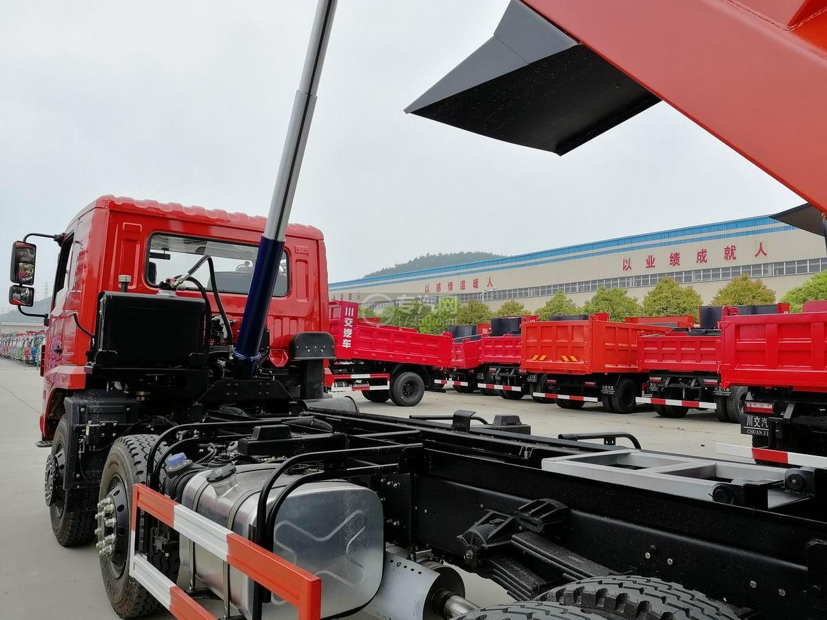 川交前四后四CJ3250D5CC自卸车自卸装置