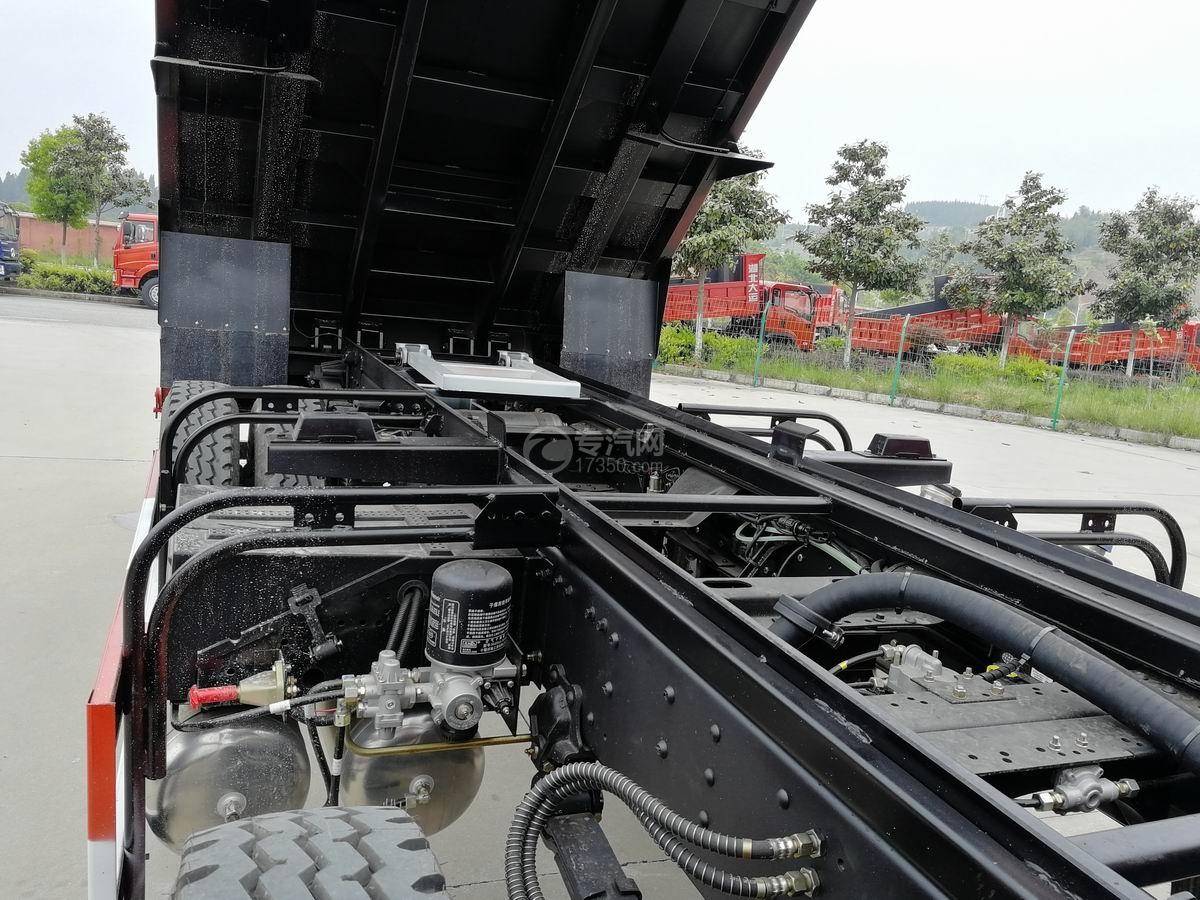 川交前四后四CJ3250D5CC自卸车大梁