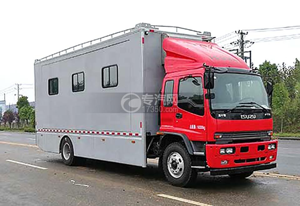 五十铃大型野外宿营车