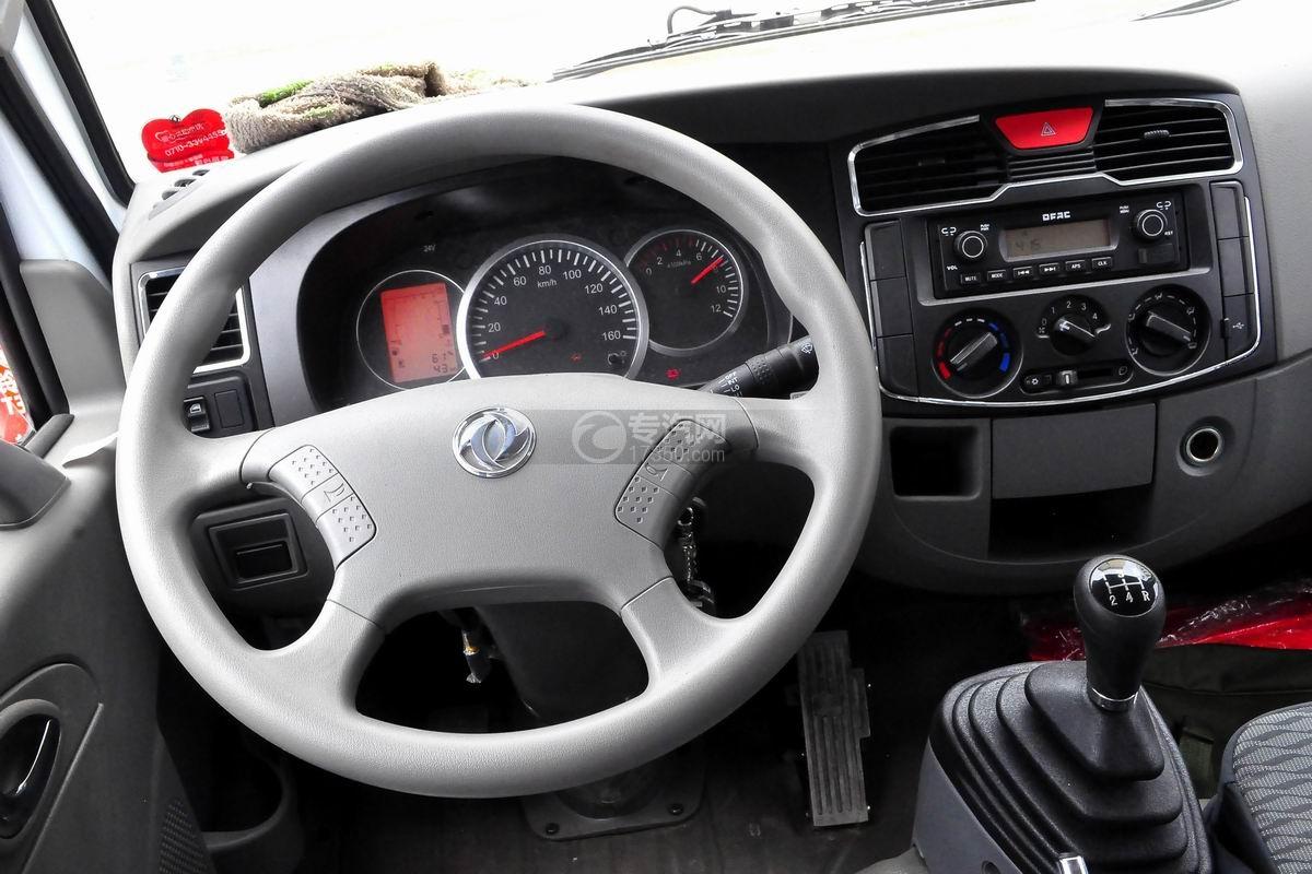 东风多利卡D6双排座舞台车驾驶室方向盘
